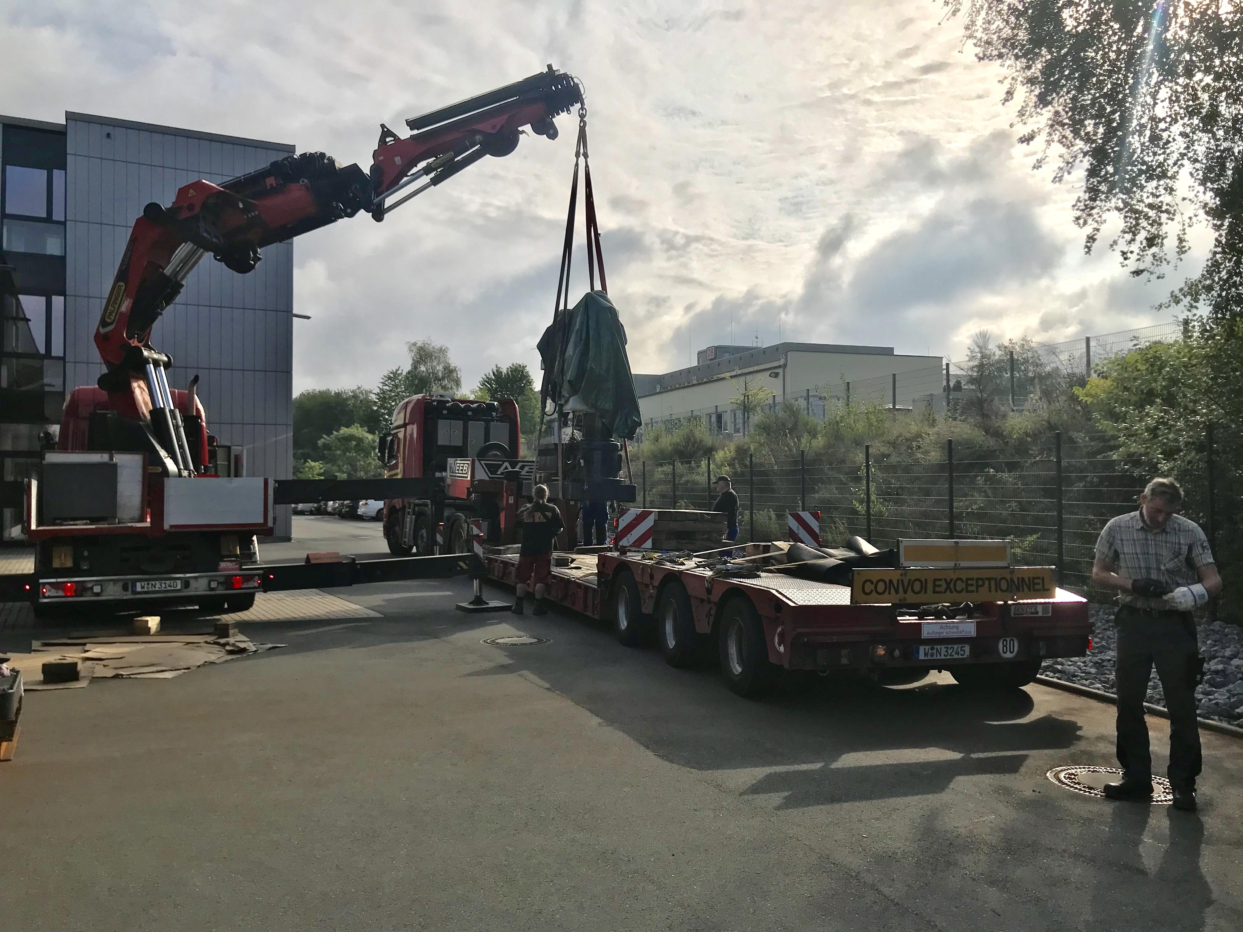 Grimmert-Recycling - Maschinentransport | Abtransport einer Insustrieanalge durch Grimmert-Recycling